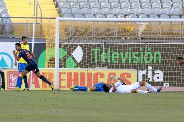 Insua celebrates his first ever goal for Depor, away at Las Palmas.